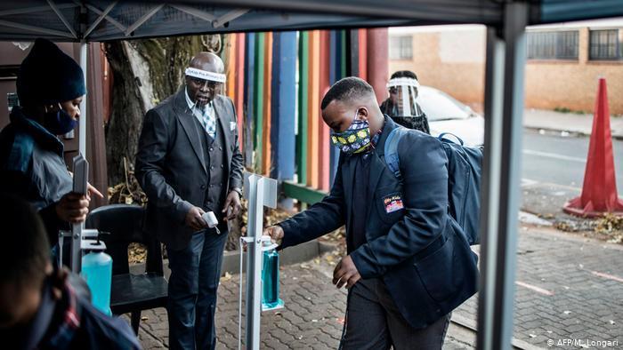.: اخبار VGP:.  |  محاصره مجدد ملی آفریقای جنوبی توسط COVID-19